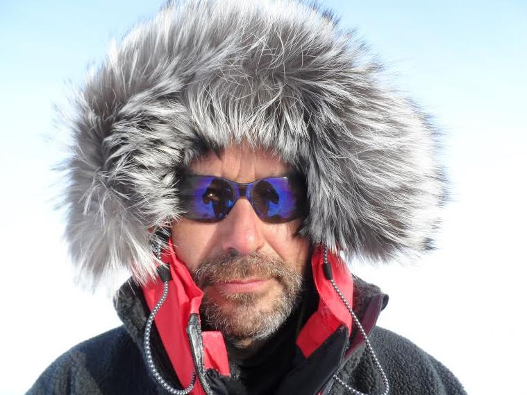 MAgnetic North Pole expedition by Mike Laird