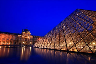 Louvre by Freedigital and Vichaya Kiatying-Angsulee