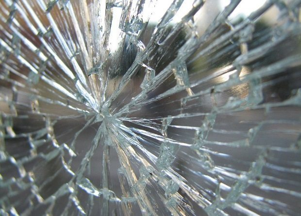 shattered glass, anxiety attacks