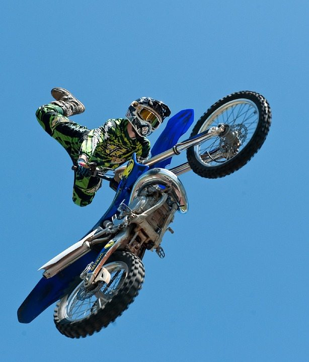 motocross-by-pixabay-and-skeeze