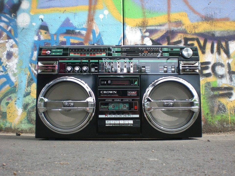 ghettoblaster by Heissenstein and Pixabay, mega ran